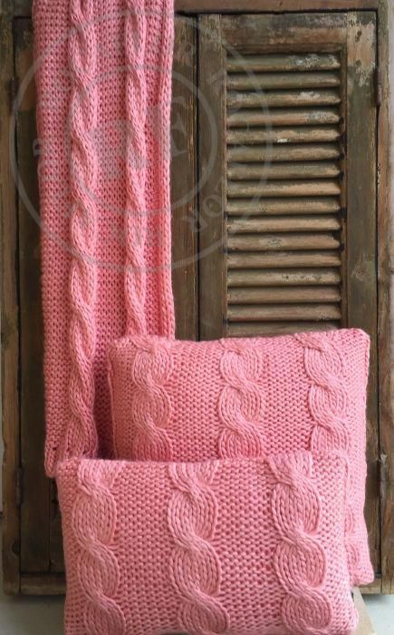 cushion coral knitted cables 50x30cm