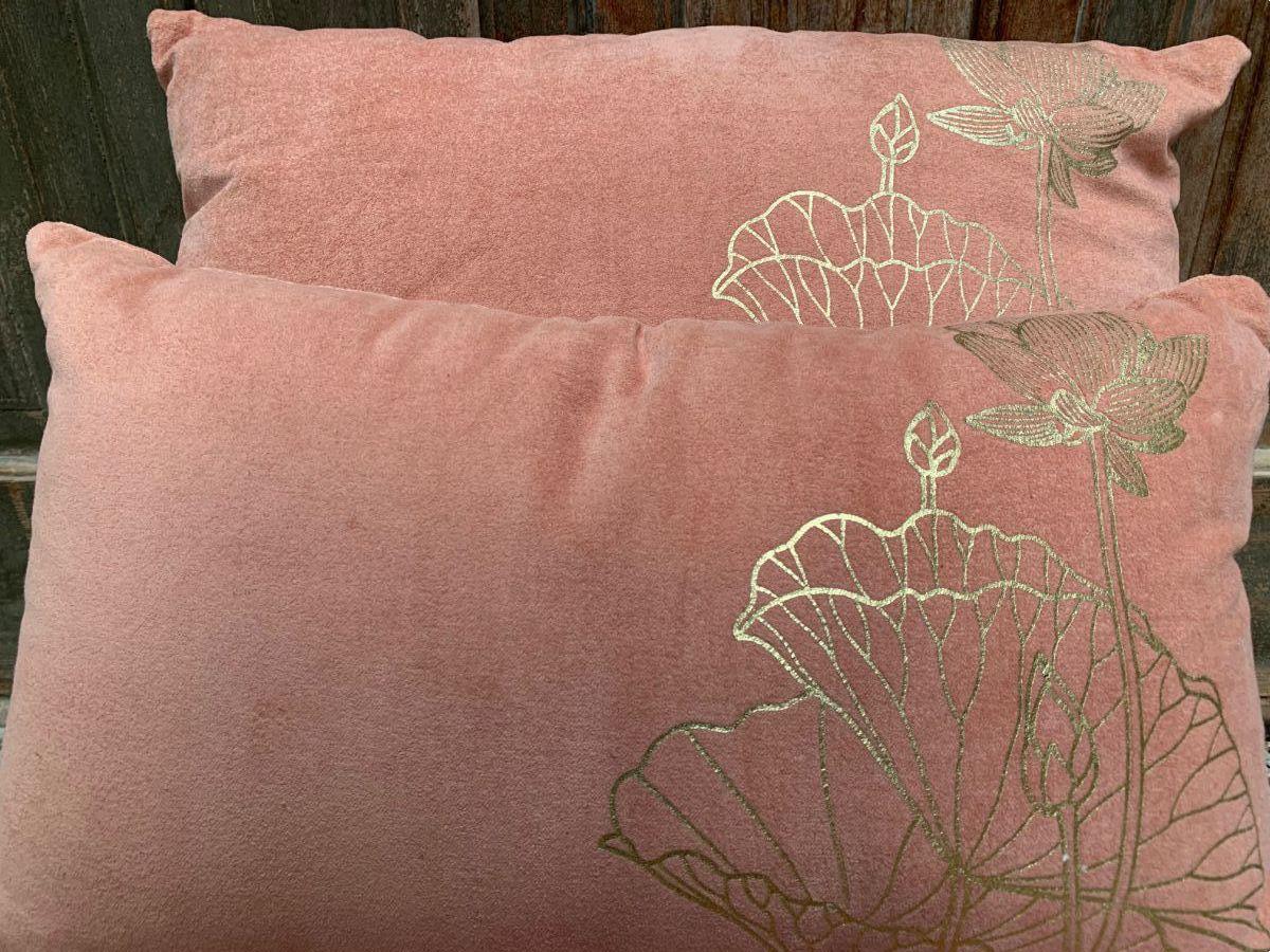 kussen fluweel oud roze rechthk 50x30cm print lotus goud