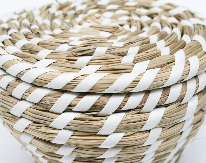 mandje met deksel handvaten wit